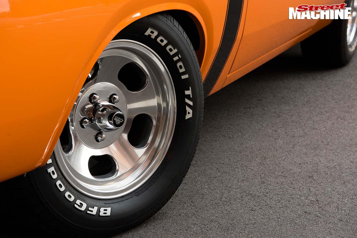 Valiant R/T Pacer wheel