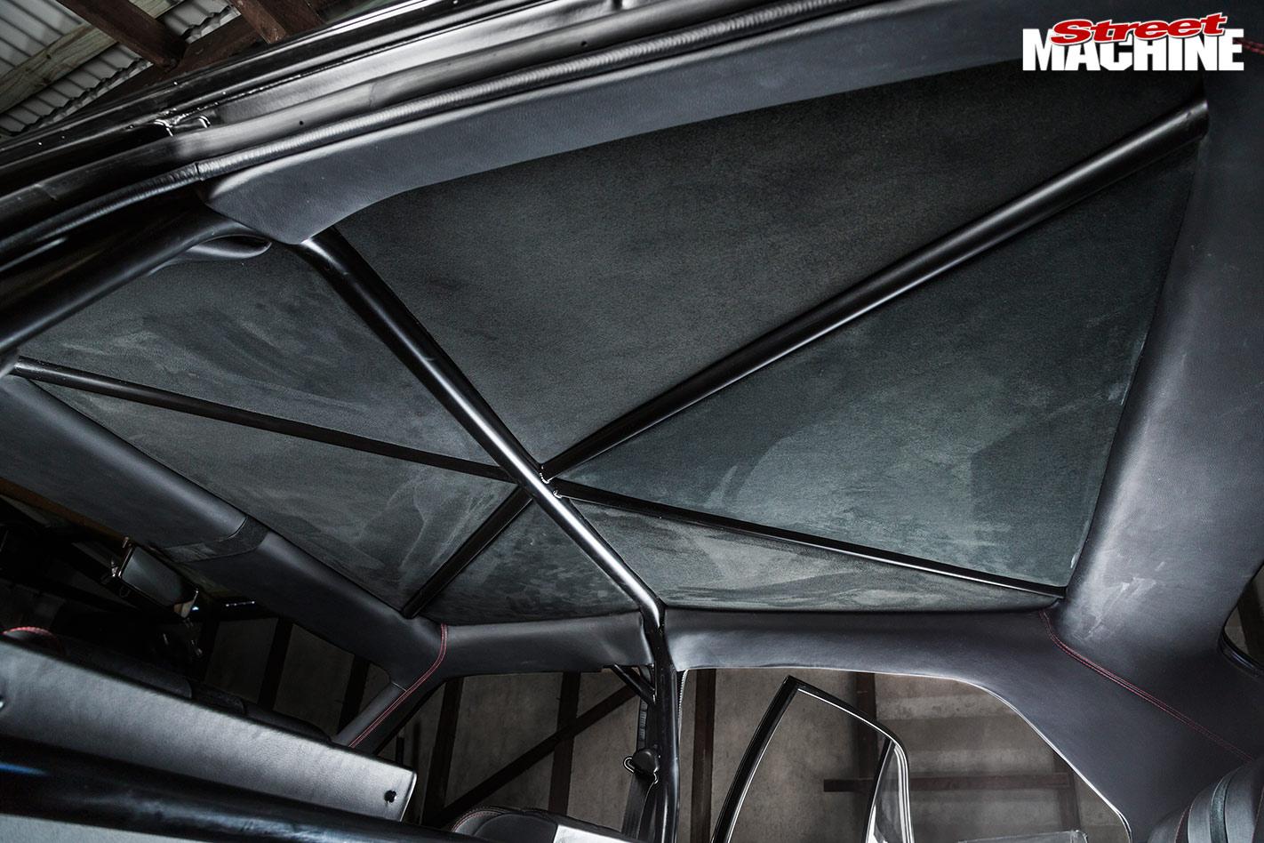 Ford Falcon XB headlining