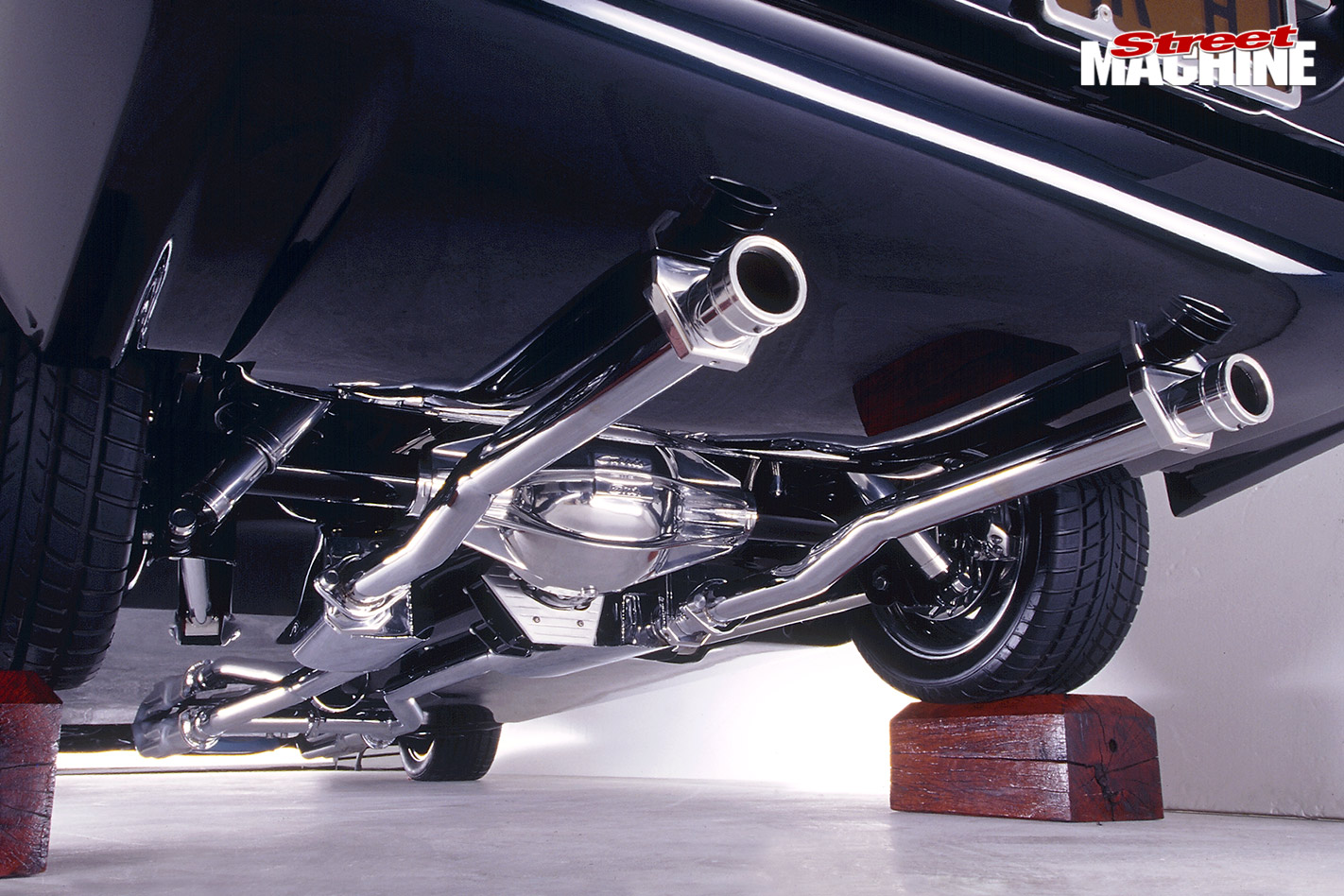 Holden HJ sedan exhaust
