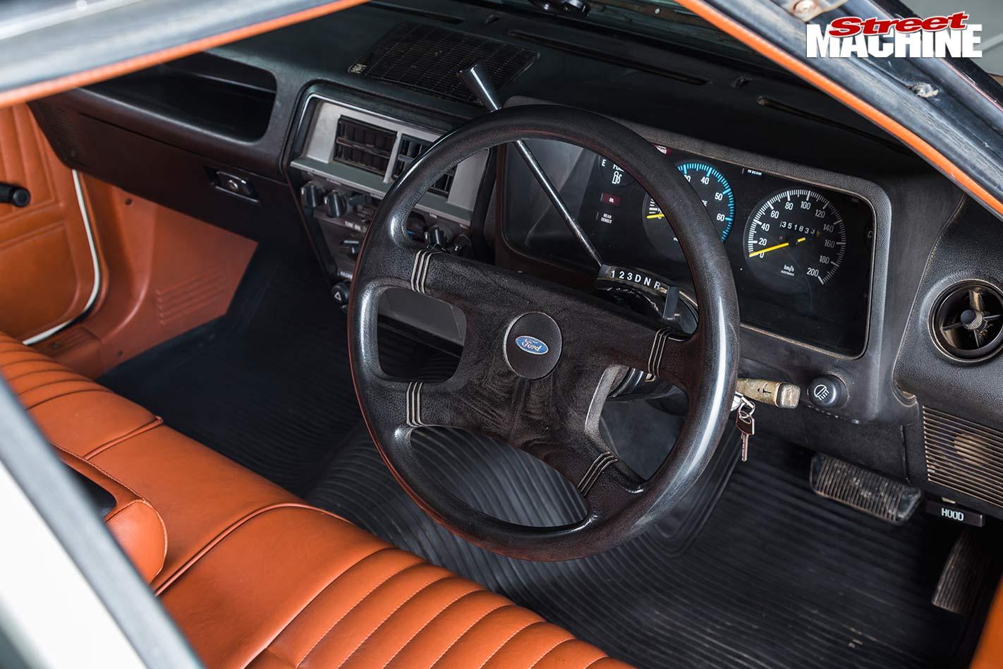 Ford Falcon XE ute dash