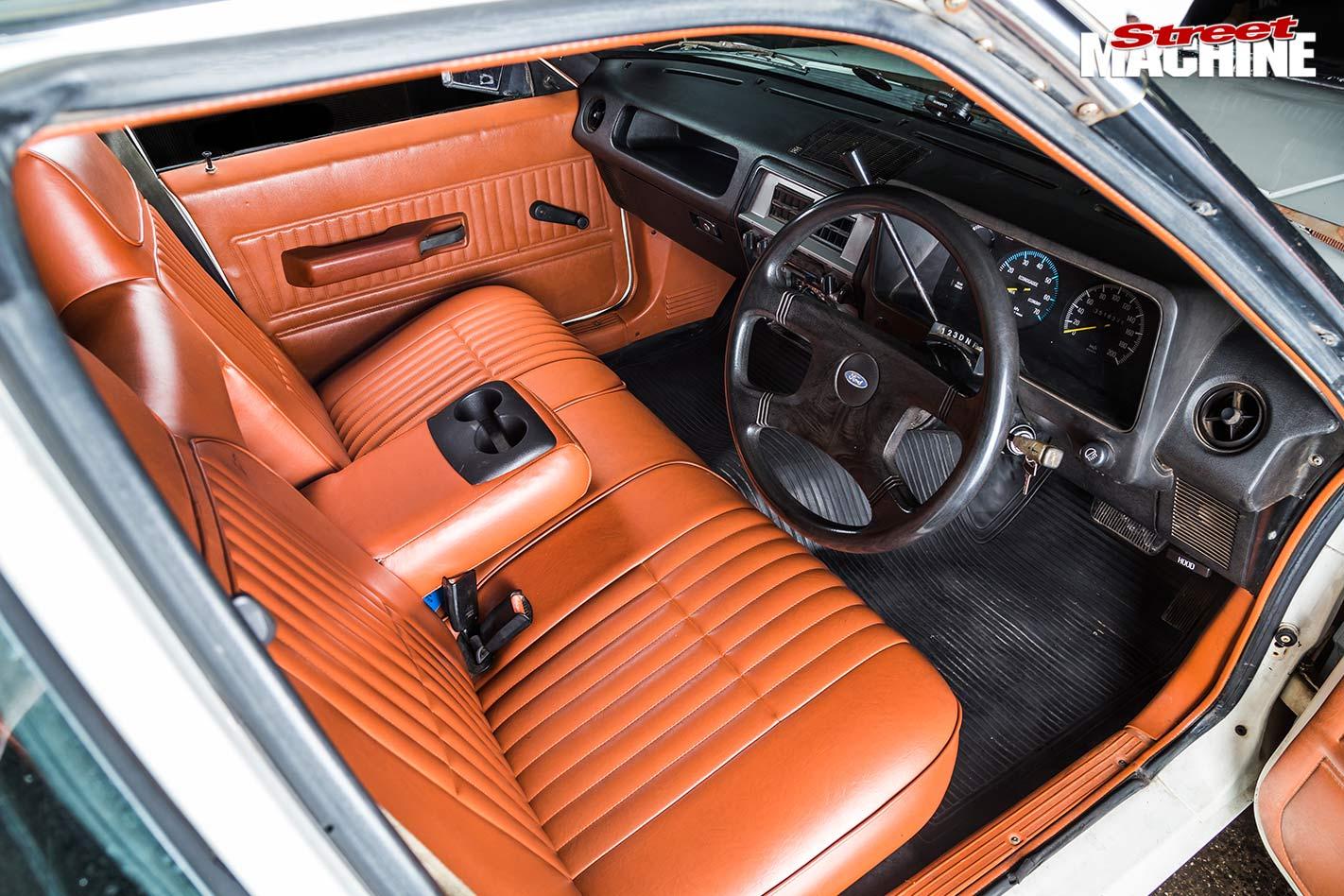 Ford Falcon XE ute interior