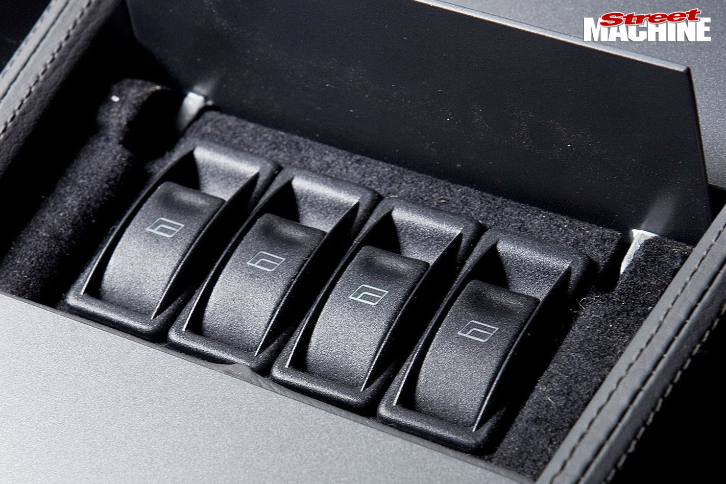 Holden HT Monaro switches