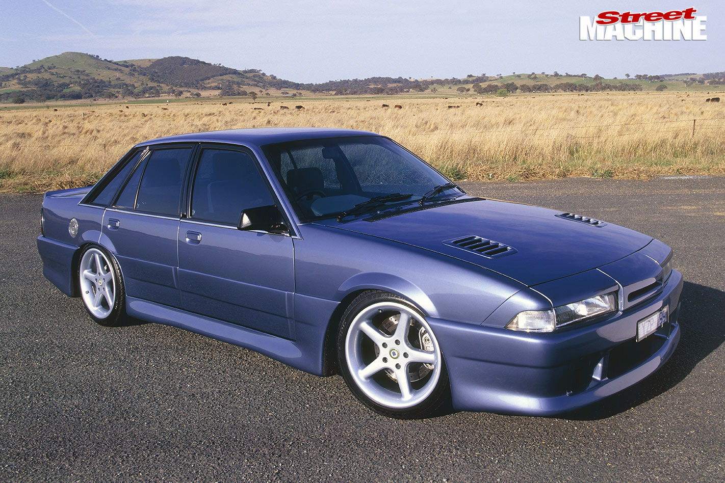 Blown holden efi v8 powered vl calais for Garage bmw calais