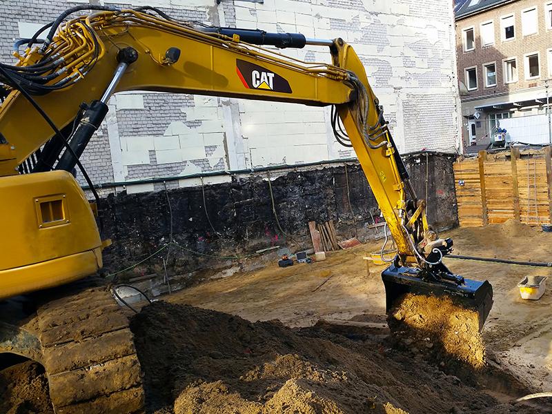 Cat excavator tilt buckets