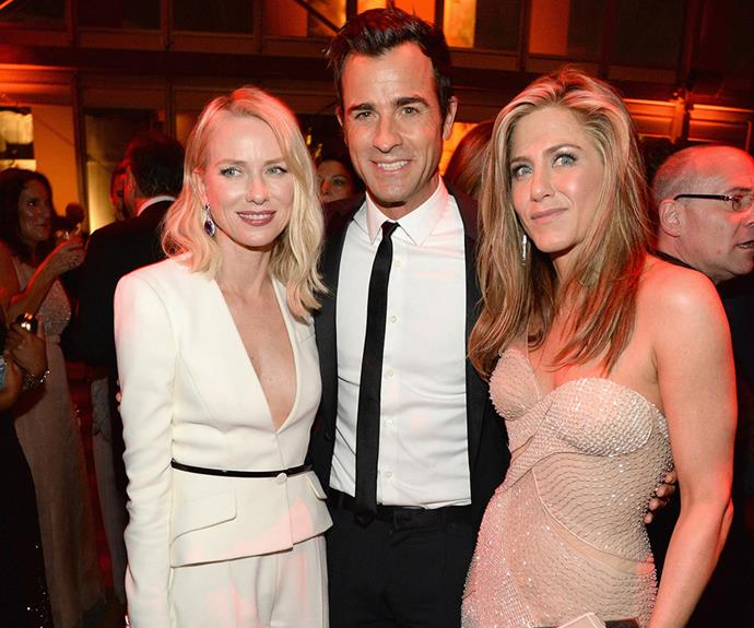 Naomi Watts poses up with Justin Theroux and Jennifer Aniston! We wonder if she's invited to the wedding!?