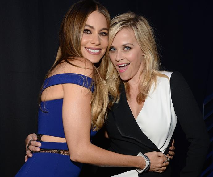 Sofia Vergara and Reese Witherspoon cuddle up backstage.