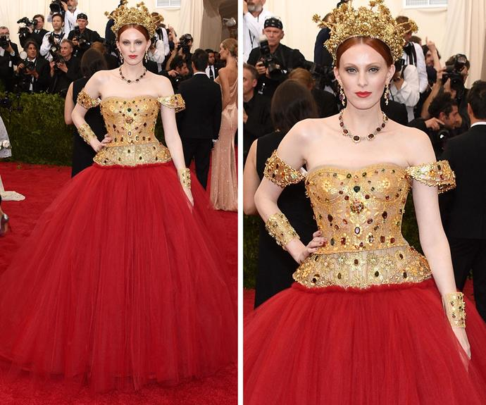 Supermodel Karen Elson looked like royalty in this regal outfit!