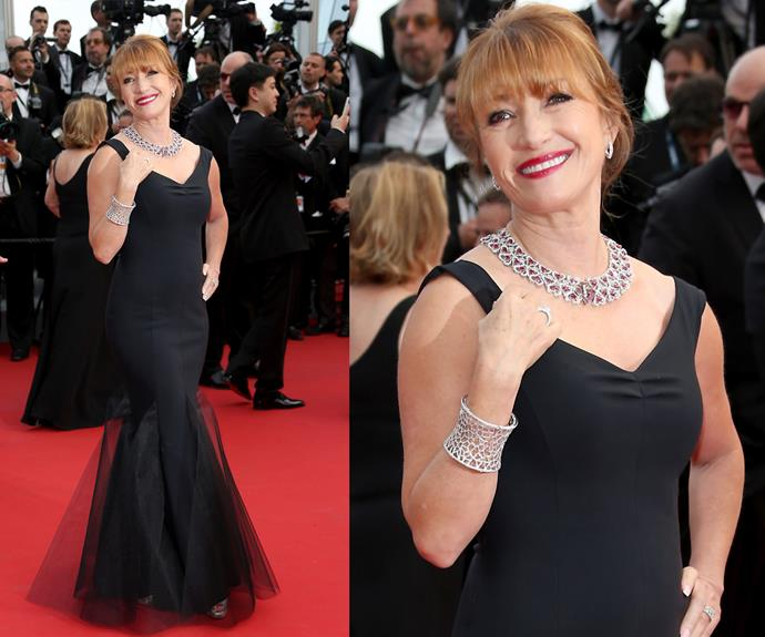 Jane Seymour looks so glamorous in this fishtail number