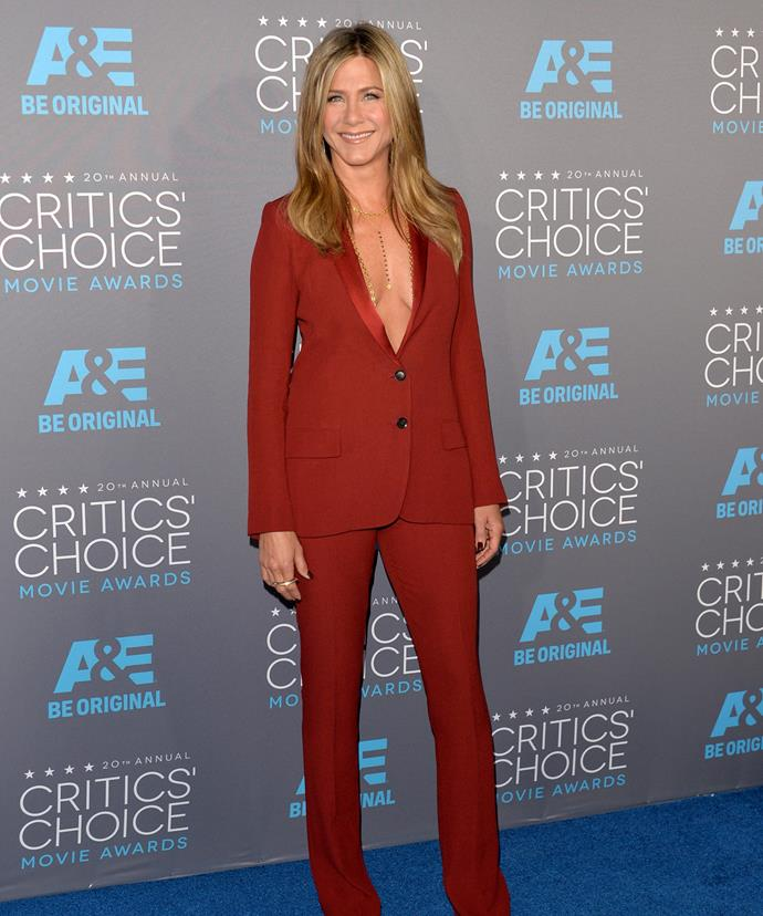 Jennifer Aniston rocks her classic slightly tousled hair style at the Critics Choice Awards.