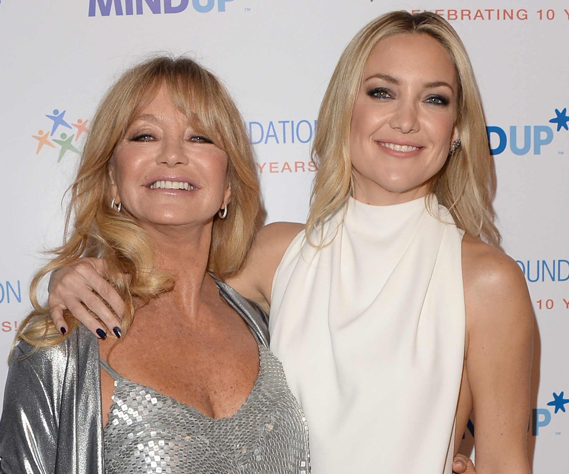Kate Hudson and mum Goldie Hawn could be sisters!