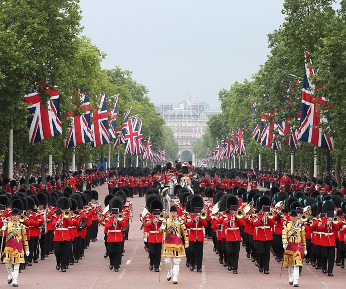 It is expected that over 1,400 officers, 400 musicians and 200 horses in tow, the Queen is paraded in a carriage from Buckingham Palace to Horse Guards Parade across St. James's Park to inspect her troops, receive a royal salute and take a salute of her own.