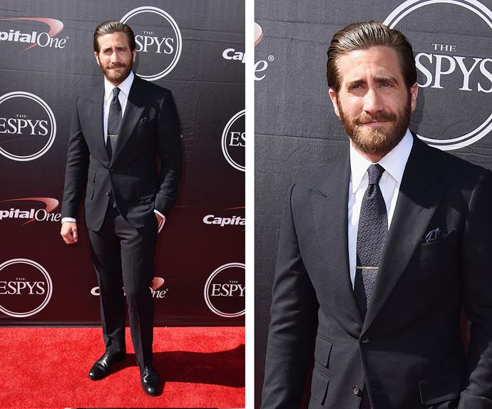 So much eye-candy! Jake Gyllenhaal looked dapper in a timeless suit and tie combo.