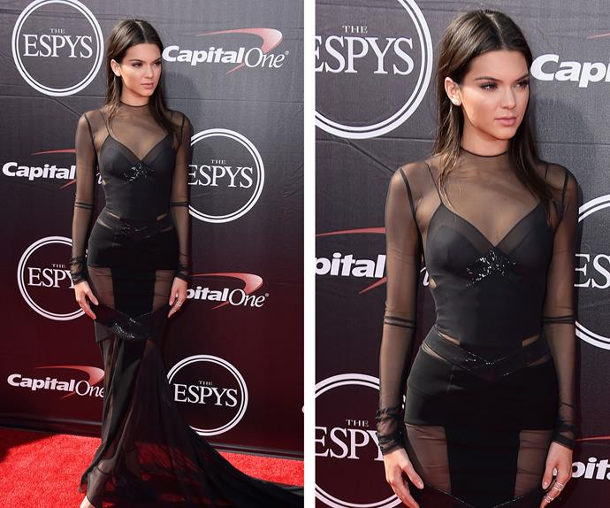Kendall Jenner was smoking in this stunning black gown as she walked the red carpet ahead of the ceremony.