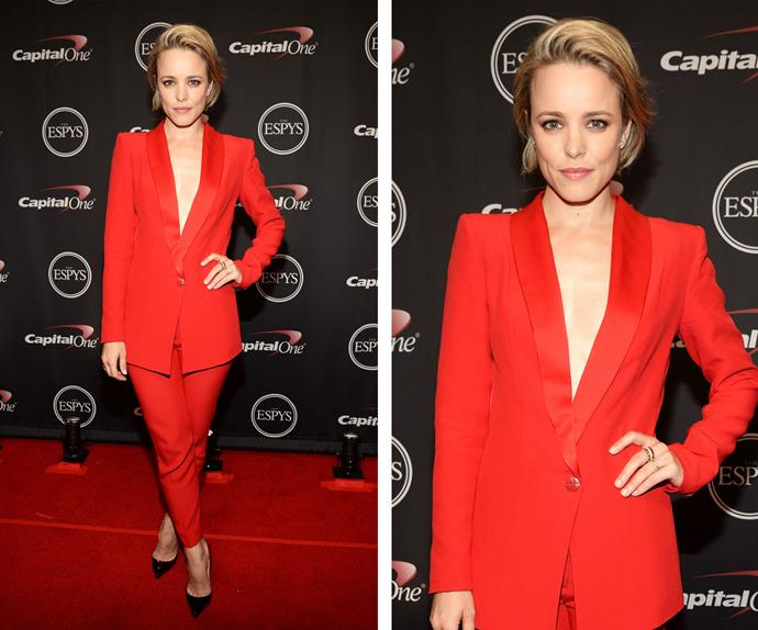 WOAH! Few people can pull off an outfit like this, but my, oh my Rachel McAdams does it with ease.
