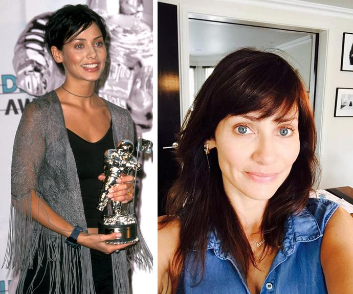 "Natalie Imbruglia is definitely worth it! The 40-year-old Aussie singer shared this beautiful make-up free selfie, showing of her new darker locks. ""A change will do you good! #brunette"". Channeling her 1998 self, the former Neighbours star who is glowing, has one trade secret that we can all pick up: ""Lots of sleep, lots of water, and running is really good for your complexion. And with makeup, Less is more."""