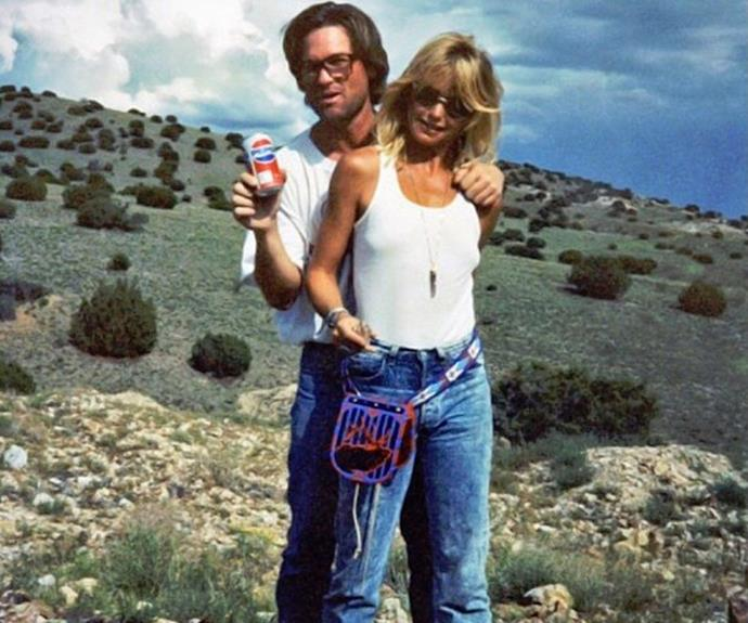 Kate Hudson posted this amazing flashback snap of her parents, Goldie Hawn and Kurt Russell from back in the 80s!