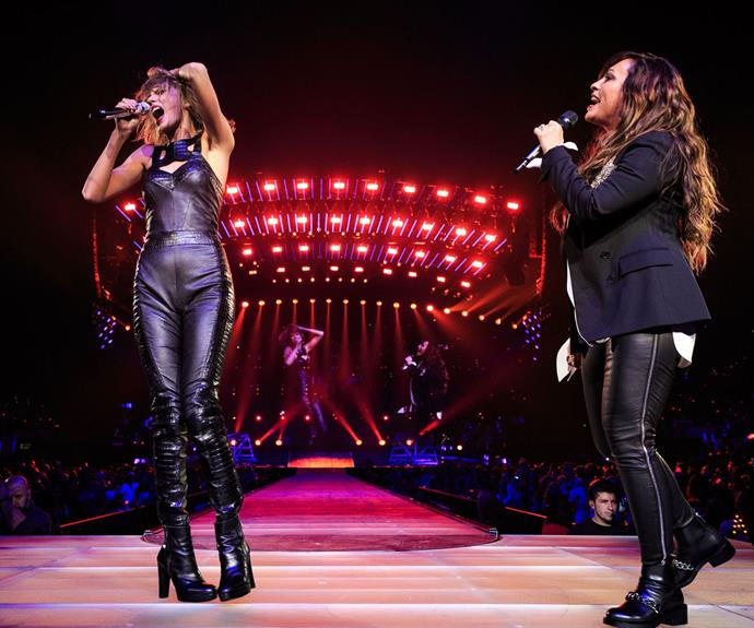 Taylor Swift and Alanis Morissette rock a *You Oughta Know* duet.