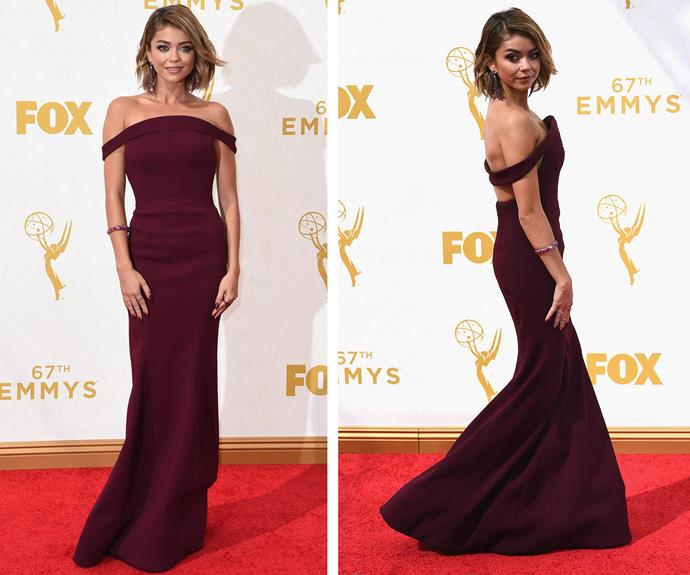 *Modern Family* star Sarah Hyland has grown up in front of our eyes. Taking a leaf out of her co-star Sofia Vergara's book, Sarah smoulders in an off-the-shoulder plum-coloured dress.