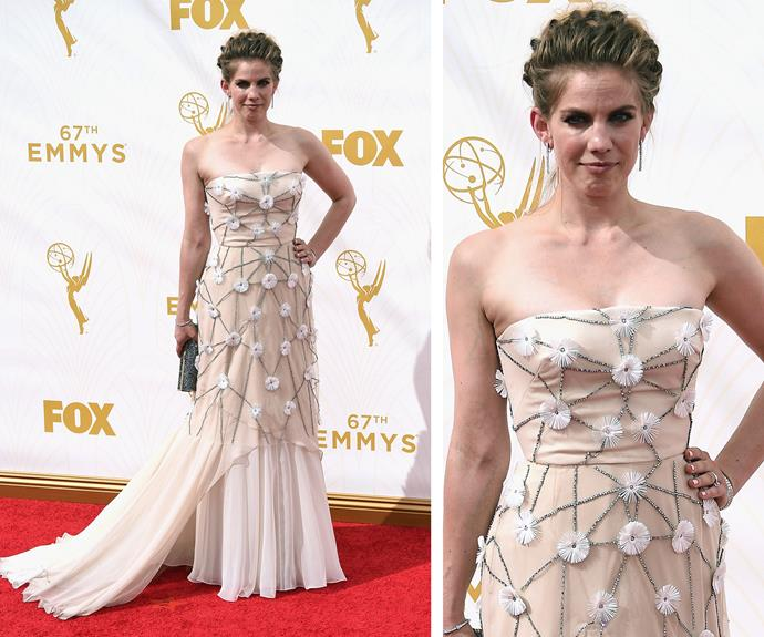 Our favourite girl, Anna Chlumsky brings a touch of traditional Hollywood in a strapless, cream gown. No bees insight, but we're buzzing over the intricate flower beading latticed across her body.