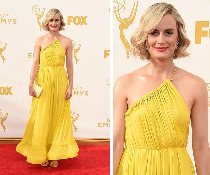 No prison jumpsuits in sight! Taylor Schilling is a cup of sunshine with this bright yellow dress.
