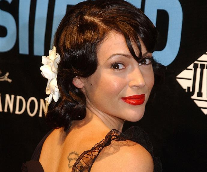 Talk about charming! Alyssa Milano is the boss of this vintage 'do.