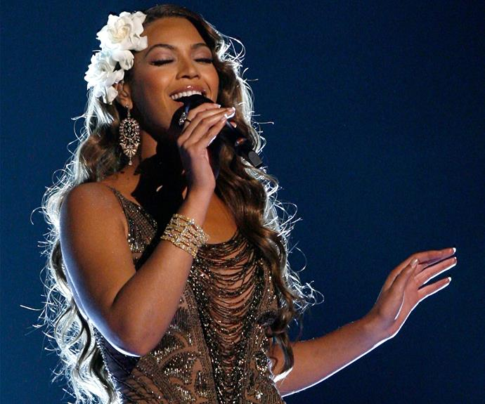 Beyonce is keepin' it fresh! The 20's feel is made modern with the flowers.