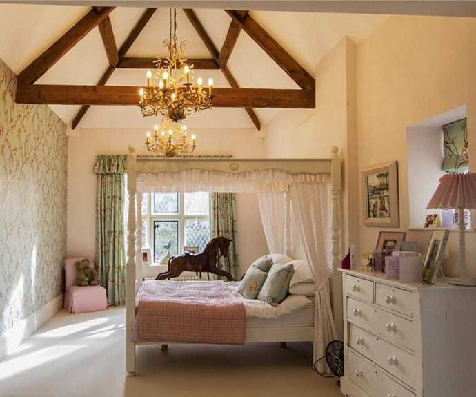 A sweet bedroom for Harper?