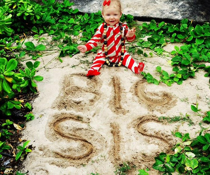 Cute! Jessica Simpson used her daughter, Maxwell, to make her announcement.