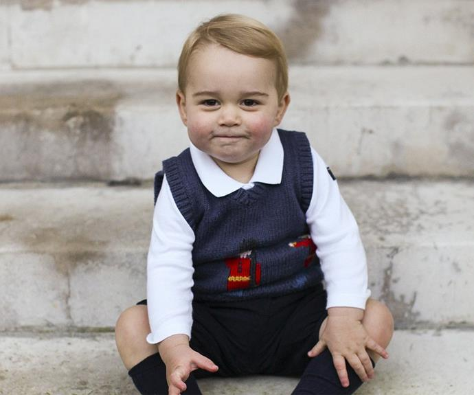 Prince George poses for his official Christmas photos!