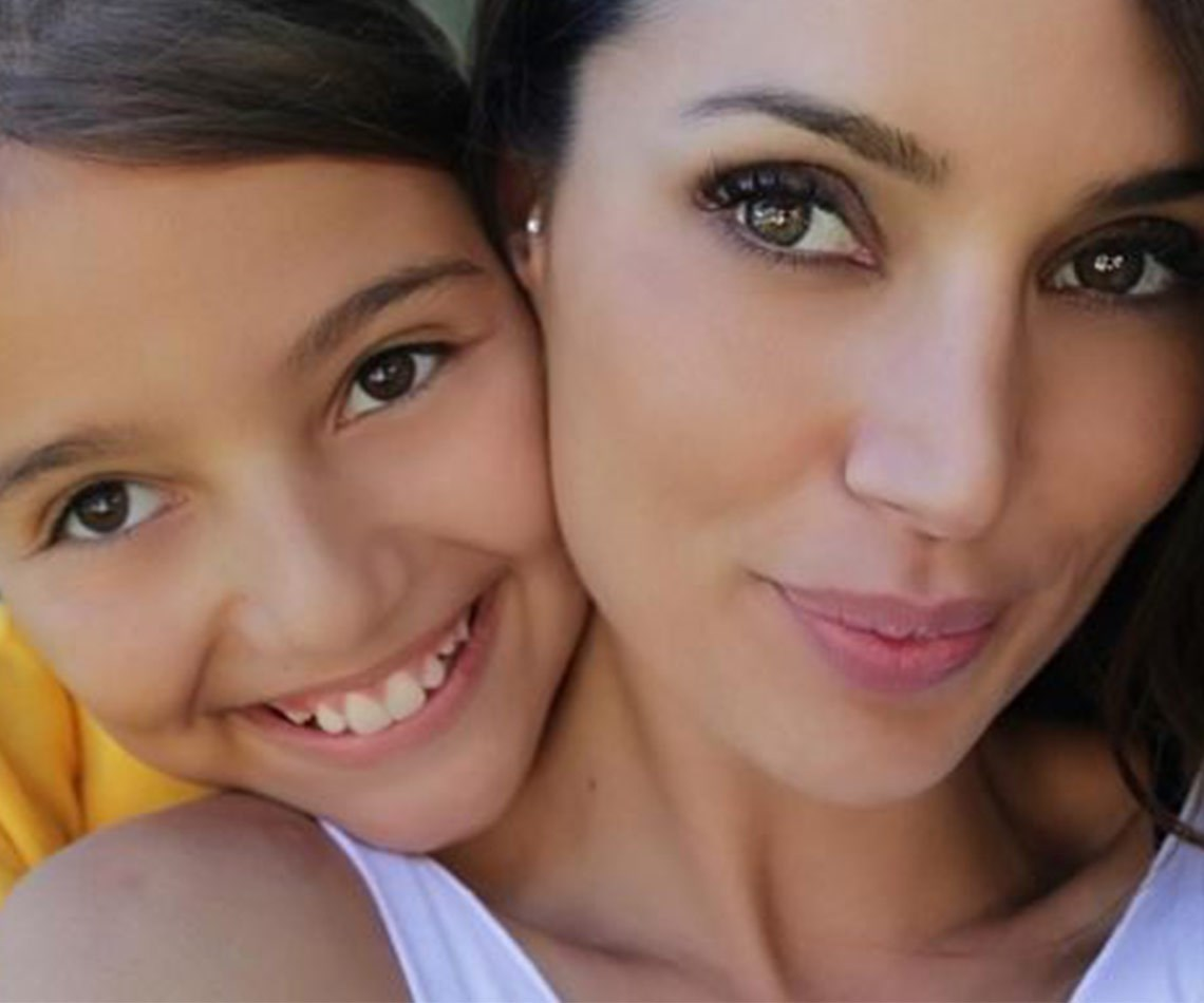 2015 Bachelor winner Snezana Markoski and her darling daughter Eve share so many similarities! From their stunning complexion, beaming smiles and big brown eyes, these two certainly struck gold in genetics department.