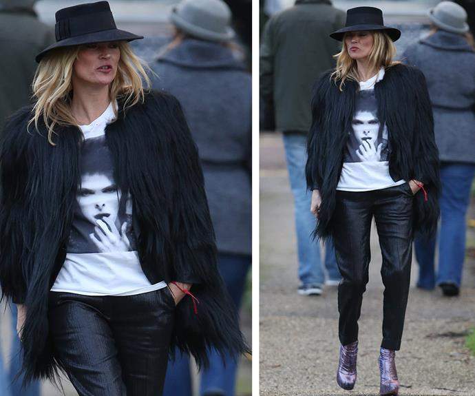 Following the [tragic news the 69-year-old had lost his battle with cancer,](http://www.womansday.com.au/celebrity/hollywood-stars/david-bowie-dies-of-cancer-14443) model Kate Moss stepped out in a David Bowie T-shirt.