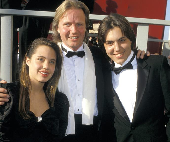 The pretty starlet, now 41, made her first Oscars appearance in 1986 when she was a sweet little 10-year-old girl hanging out with her dad, Jon Voight.
