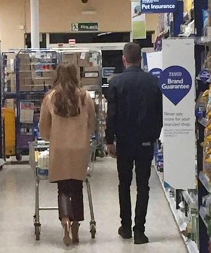 They might be the ultimate British power couple, but it turns our Chezza and Liam are just like us. Over the weekend, the twitter account @Je_Baker posted this snap of them at the grocery store.