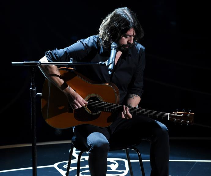 Dave Grohl provided the beautiful soundtrack to the In Memoriam presentation, which honours stars we have lost in the past year.