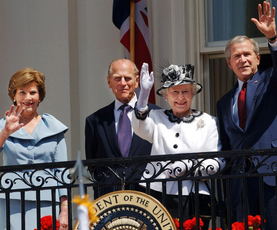 "When former US president George Bush's wife, Laura Bush, was spotted reapplying in DC, she simply quipped, ""The queen told me it was all right to do it!"" **Gallery continues after the video**"