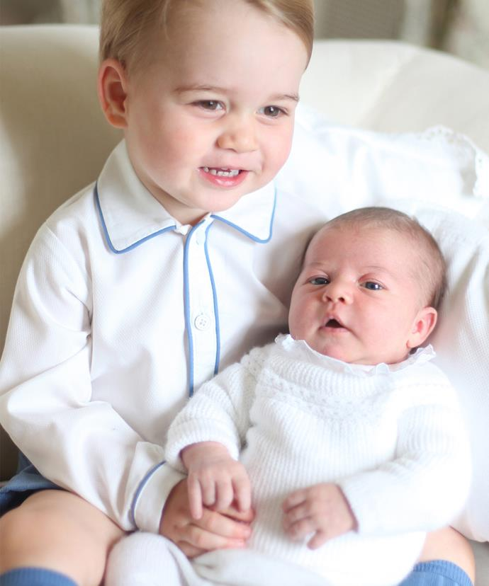 Prince George is wearing the same outfit for the stamp photo that he did when he posed with Princess Charlotte last year!