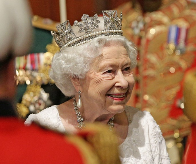 Of course when she's not wearing her crown, the Queen has her George IV State Diadem ready to go! Isn't it resplendent!