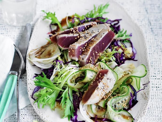 "Try salads made up of colourful veggies and lean meats. This [tuna carpaccio with Asian salad recipe])http://www.foodtolove.com.au/recipes/tuna-carpaccio-with-asian-salad-27008|target=""_blank"") will do the trick!"
