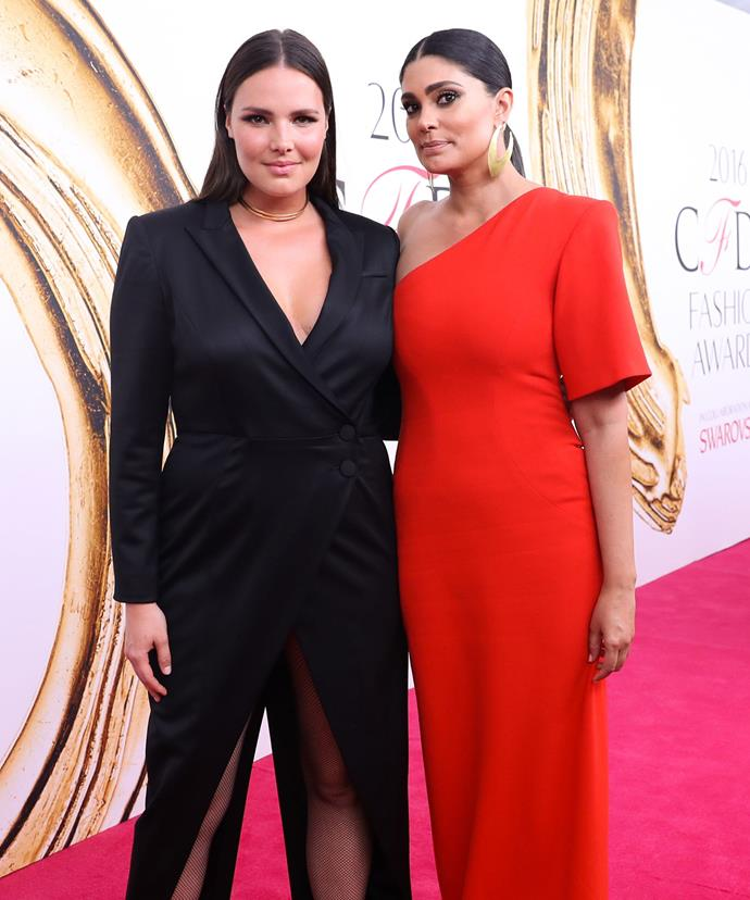 Rachel kept a very low profile as she posed with her date and friend, model Candice Huffine - who of course donned one of the designer's signature pieces.
