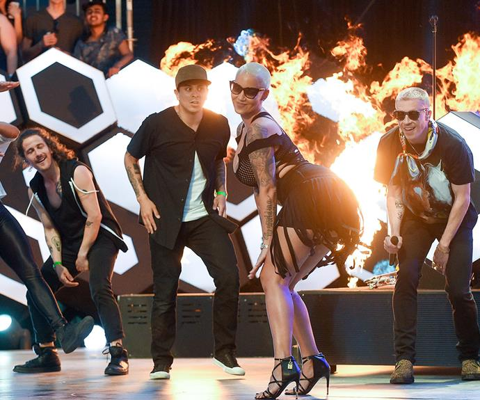 Proving why they took home the award, the charismatic duo took the stage to perform their hit track *Dance Off*, with a special appearance from none other than Amber Rose.