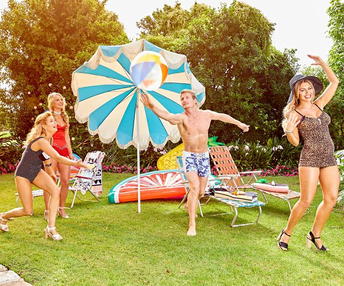 The 30-year-old enjoyed a spot of volleyball with Tolyna, Faith and Kiki.