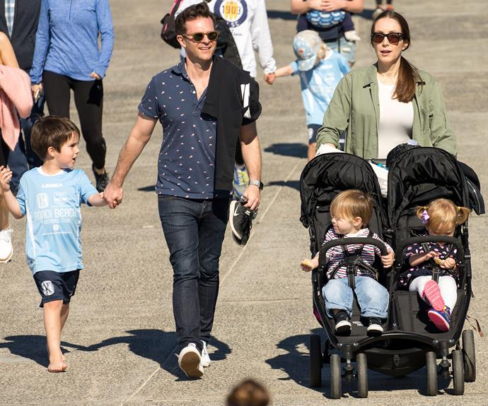 The twins certainly put on a good show as they hit Bondi Beach with their famous dad David Campbell, mum Lisa and big brother Leo.