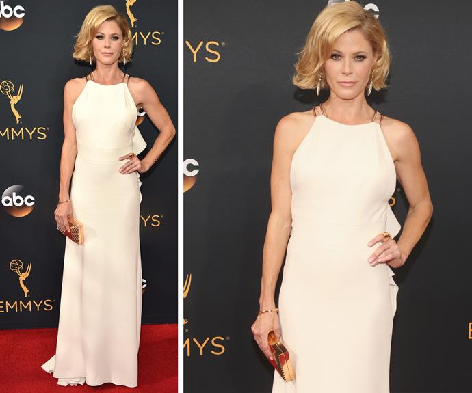 Julie Bowen cut a killer figure in a Lela Rose Resort 2017 ivory ruffled gown.