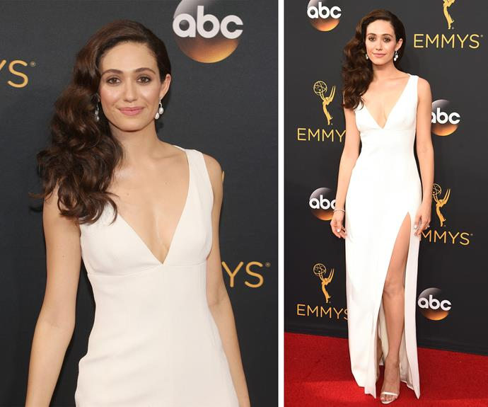 Emmy Rossum's romantic waves are winning her some serious beauty points.