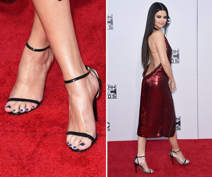 Don't be afraid to choose a contrasting colour. Instead of going for a traditional ruby to match her dress, Selena Gomez wore a bright sapphire blue, which looked awesome.