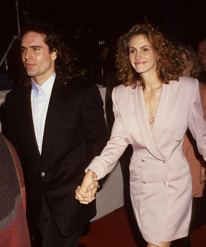 After breaking up with Kiefer, Julia began dating his good friend Jason Patric.