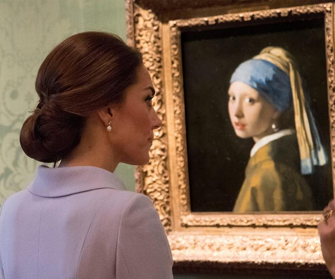 She's the girl with the pearl earring!
