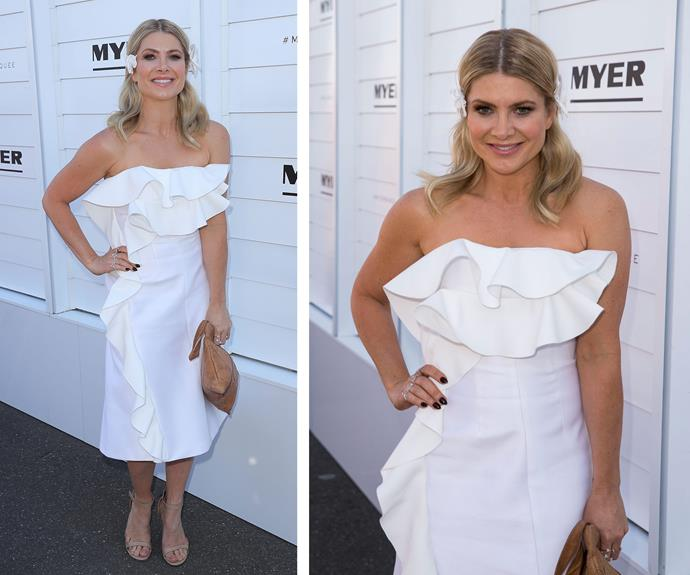 Pantene ambassador Natalie Bassingthwaighte let her loose curls down, giving her formal frock a relaxed edge.