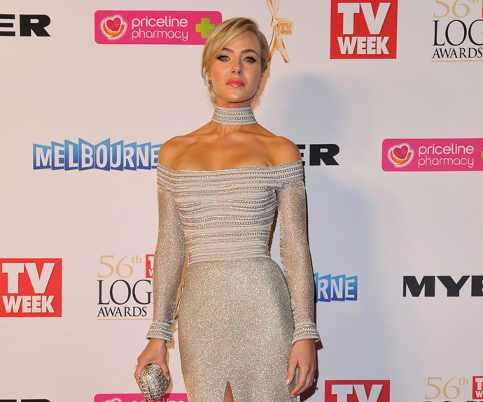 Jessica wasn't nominated for a Logie in 2014, but she still attended the event. She graced the red carpet in a stunning silver dress. Understated bling at its best.