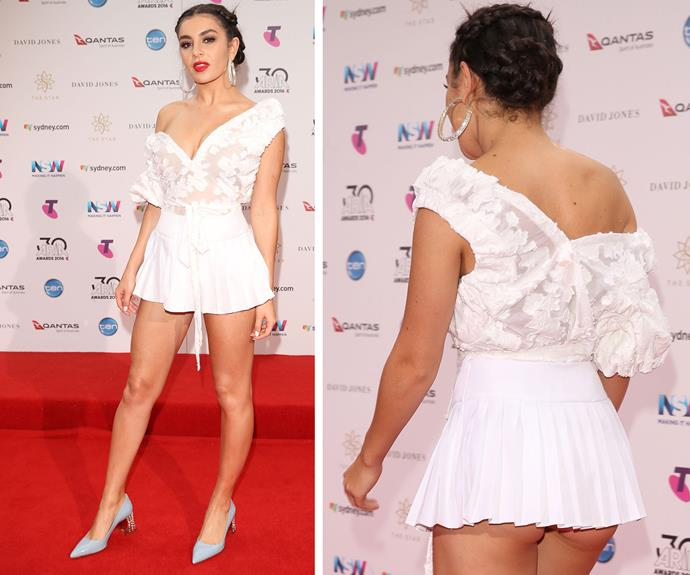 British singer Charli XCX accidentally flashed her derriere as she walked the red carpet.
